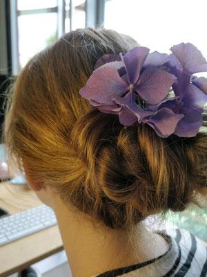 Blumen im Haar - Festliche Frisur - Frisur Hochzeit