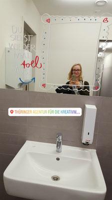 Begrüßung im Badezimmer