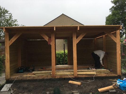 Douglas veranda in aanbouw