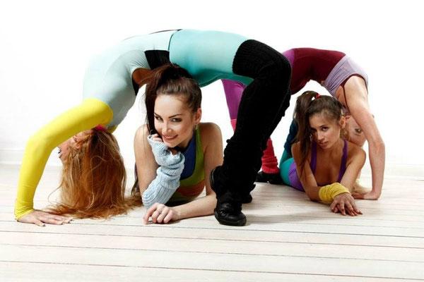 Regina, Lilia, Vicky & Hannah - Photography by Carsten Thun