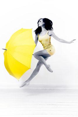 yellow vibes - REGINA SHVACHKINA [Russia] - Photography by Carsten Thun