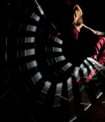 LIGHTART meets DANCE - VICKY ALIKI [Greece] - Photography: Karin Brodowsky