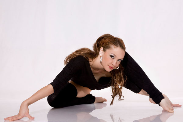 Dance Artist & Model: ANNA CARAVE GONZALEZ [Ukrain]