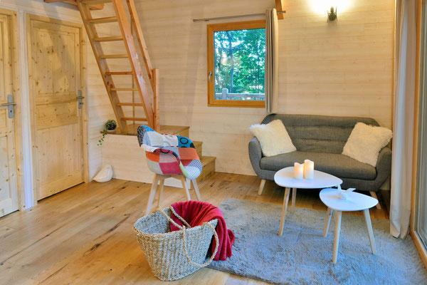 La Cabane Haut-Charmes en Périgord, espace à vivre chaleureux © Michel Blot