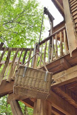 Petit-déjeuner à la Cabane Haut Charmes en Dordogne livré en panier !  © Michel Blot, Photographe