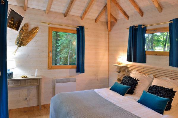 La cabane haut charmes en Dordogne, un gîte dans les arbres © Michel Blot, Photographe