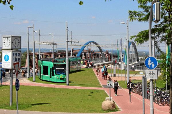 Tram 8, Strassenbahn-Endhaltestelle in Weil am Rhein