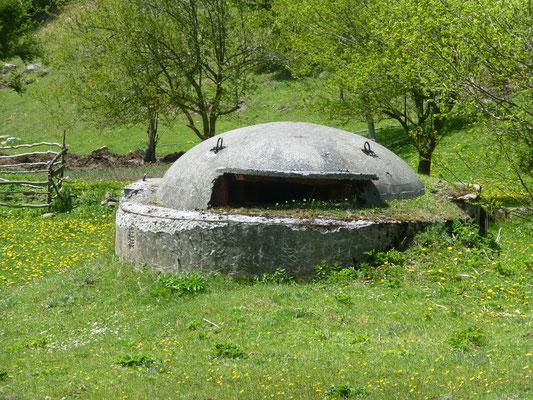 Bunker in den Bergen
