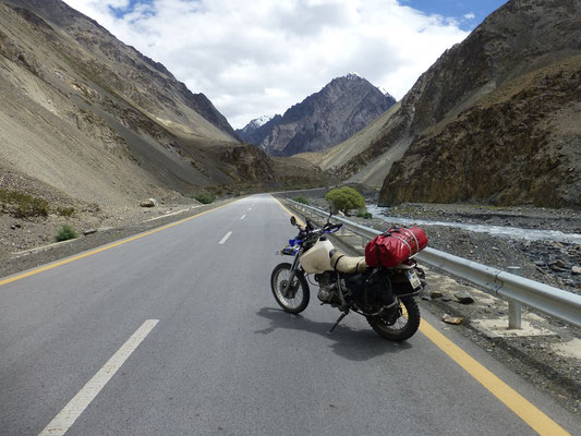 KKH to Kunjerab Pass