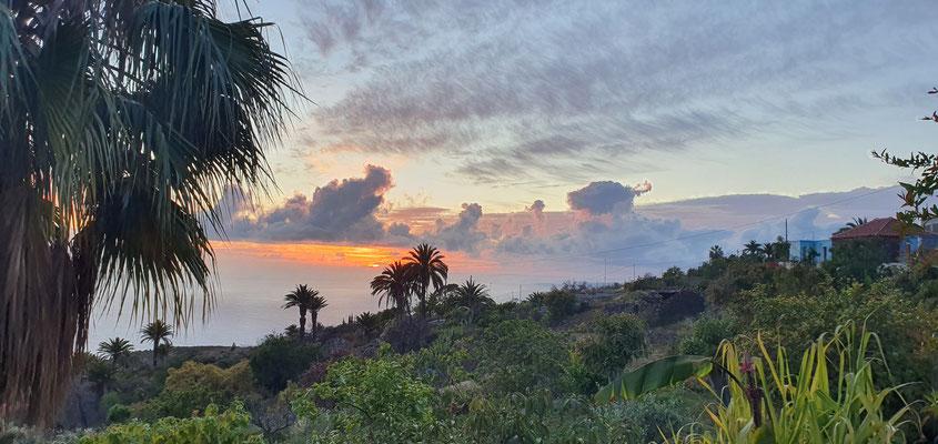 Sonnenuntergang vom Grundstück unserer Gastgeber in El Jesus, Nordwestlicher Blick auf den Atlantik