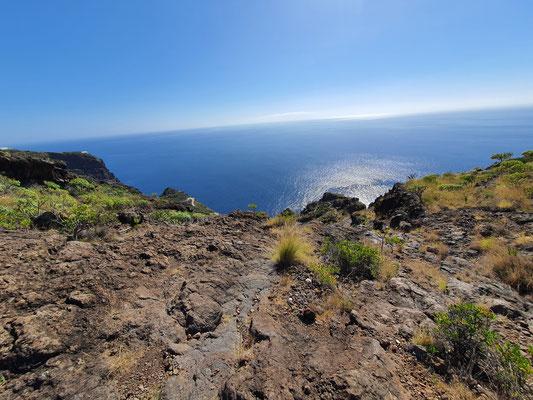 Blick auf den Atlantik vom Mirador Barranco de Jorado