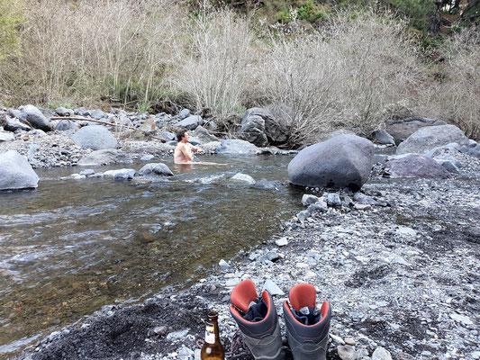 Baden im Barranco de las Angustias, auch Schlucht der Ängste genannt...ich ahne nun warum...kalt...sehr kalt!