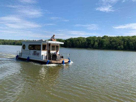 Hausboot mieten in Brandenburg. Hausboot fahren.