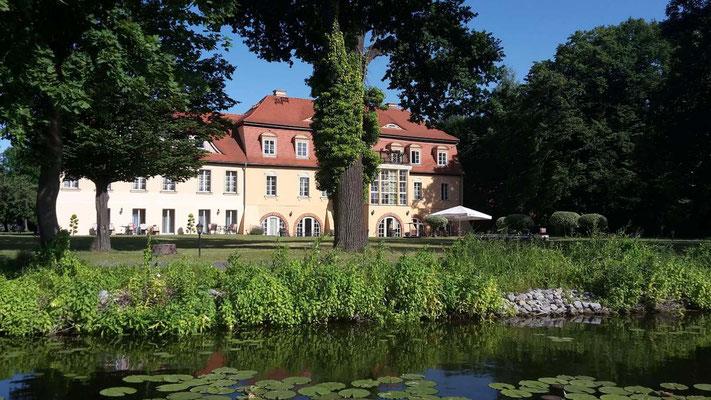 Hausboot mieten in Brandenburg. Preussische Geschichte entlang der Havel.