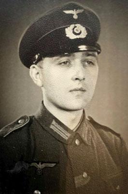 Karl Keinemann wurde nur 29 Jahre alt. Er starb 1943 in einem Lazarett in Prag. (Quelle: Stadtarchiv Unna)