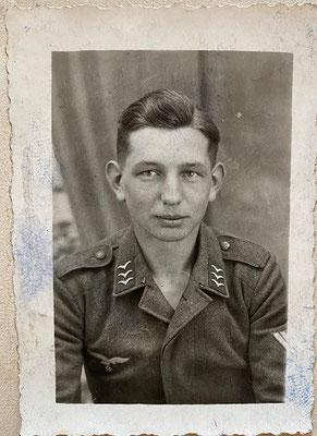 Werner Erdmann starb 1943 mit 21 Jahren an der Ostfront. (Quelle: Stadtarchiv Unna)