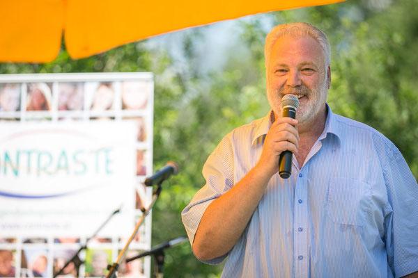 Gerald Uhl, Gründer des LSB-Netzwerk, zeigt sich erfreut darüber, dass B3-Netzwerk nicht nur die Arbeitsbereiche von LSB-Netzwerk übernommen hat, sondern auch die Tradition des Sommerfestes