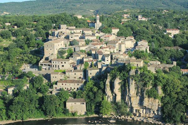 Balazuc en sud Ardèche