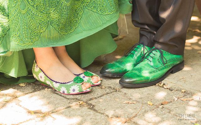 robe-de-mariee-dentelle-de-calais-caudry-épaisse-verte-rebrodée-au-cordonnet-feston-grandes-fleurs-teintes-main-emmanuelle-gervy
