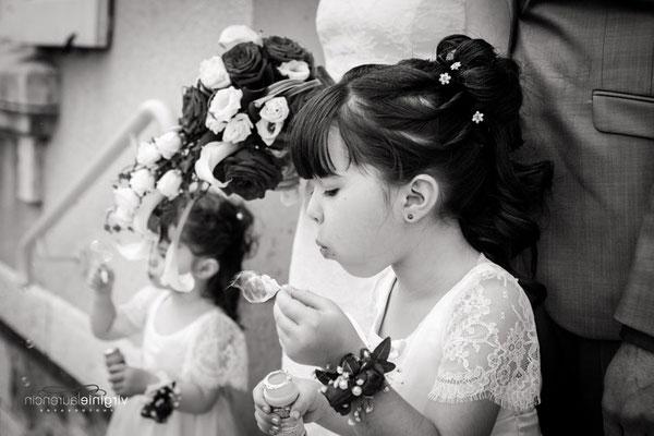 robe-demoiselle-d'honneur-fillette-mariage-boheme-sur-mesure-grenoble-détail-épaule-dentelle-de-calais-emmanuelle-gervy