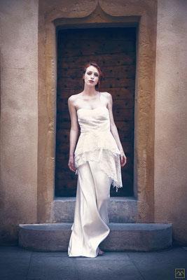robe-de-mariee-longue-coupe-decalee-originale-styliste-emmanuelle-gervy-lyon