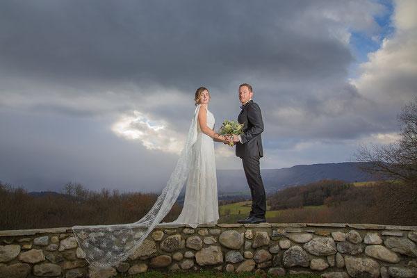 mariage-pluvieux-champetre-dentelle-calais-fluide-leger-robe-de-mariee-emmanuelle-gervy
