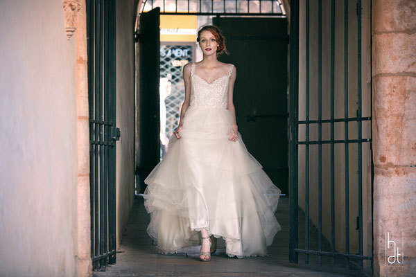 robe-de-mariee-bretelle-tulle-volume-princesse-creatrice-emmanuelle-gervy-lyon