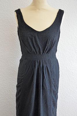 robe-sur-mesure-longue-noir-motifs-décolleté-v-bretelles-emmanuelle-gervy