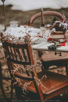 ambiance-mariage-bois-brut-chic-authentique-table-chaleureuse-emmanuelle-gervy