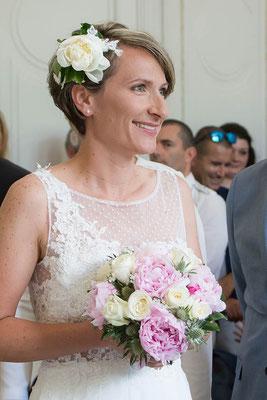 détail-robe-de-mariée-col-bateau-tulle-plumetis-brodé-main-dentelle-creation-grenoble-lyon-annecy