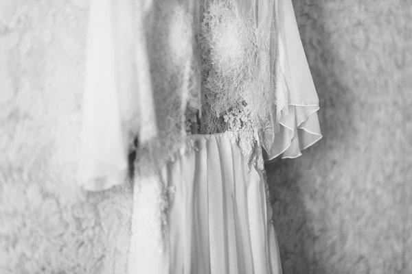 robe-de-mariee-boheme-grenoble-dentelle-de-calais-caudry-sophie-hallette-fleurie-ultra-fine-rebrodée-main-jeu-transparences