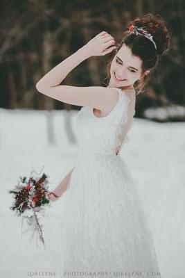 mariee-neige-hiver-robe-longue-dentelle-satin-evasee-bas-emmanuelle-gervy