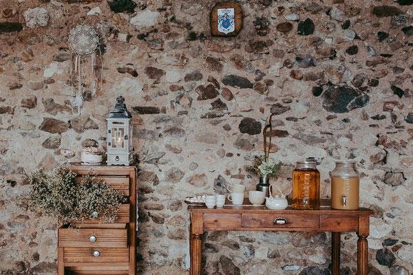emmanuelle-gervy-mariage-savoie-candy-bar-table-floral-champetre-morgenex-grange