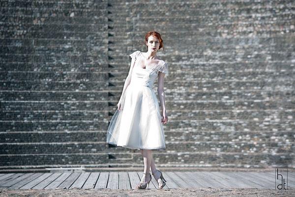 robe-de-mariee-courte-evasee-satin-dentelle-tulle-mariage-civil-vieux-lyon