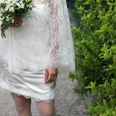 robe-courte-mariage-boheme-deux-pièces-cape-dentelle-creation-grenoble-lyon-annecy