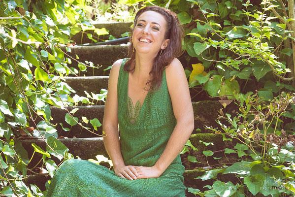 robe-mariage-hippie-chic-couleur-decolleté-v-dentelle-verte-grenoble