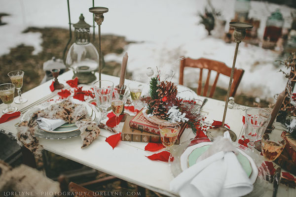 decoration-table-mariage-retro-chic-hiver-rouge-blanc-emmanuelle-gervy