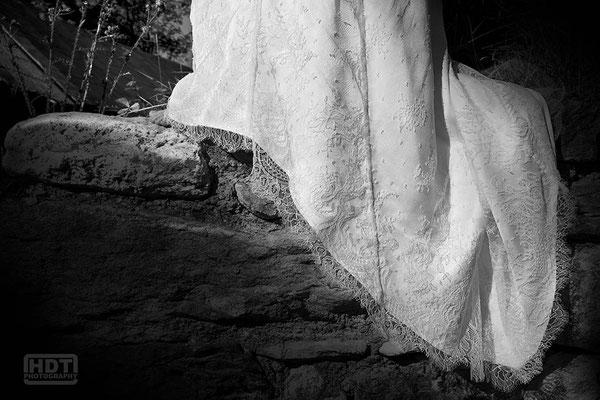 robe-de-mariee-recouverte-dentelle-de-calais-caudry-jean-bracq-creation-sur-mesure-grenoble