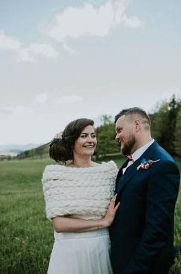 couple-mariage-hiver-bolero-chaud-laine-styliste-createur-emmanuelle-gervy-grenoble