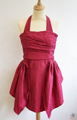 robe-de-cocktail-jupon-à-basques-coupé-taille-taffetas-bordeaux