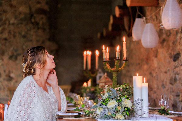 accessoire-mariee-champetre-chateau-grange-pierre-table-décoration-emmanuelle-gervy