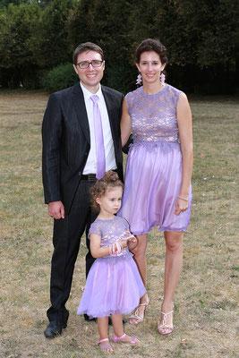 tenue-cortège-fillette-mariage-parme-style-patineuse-sur-mesure-emmanuelle-gervy-mariage