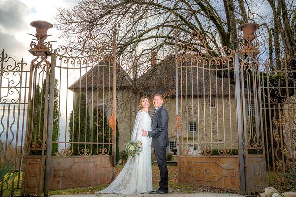 robe-de-mariee-traine-soie-mariage-chateau-boho-chic-emmanuelle-gervy