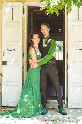 robe-de-mariee-boheme-couleur-verte-traine-dentelle-grenoble