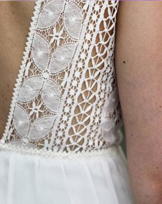 robe-de-mariee-dos-nu-dentelles-graphiques-sur-mesure-créatrice-mariage-2019-grenoble-emmanuelle-gervy