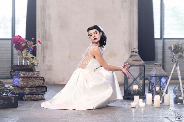 emmanuelle-gervy-robe-de-mariee-courte-style-patineuse-dentelle-calais-legere-inspiration-boho-couvent-des-carmes-salle-mariage
