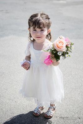 robe-de-cortège-mariage-bohème-fillette-manches-dentelle-de-calais-sur-mesure-grenoble-emmanuelle-gervy