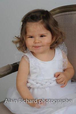 robe-de-baptême-unique-tulle-plumetis-ceinture-tressée-creation-sur-mesure-emmanuelle-gervy-grenoble