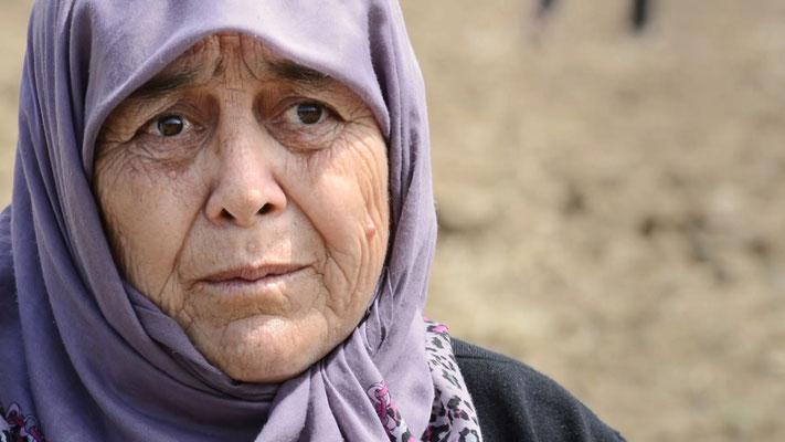 Emine Sezer   Yırca Köyü Zeytin Üreticisi