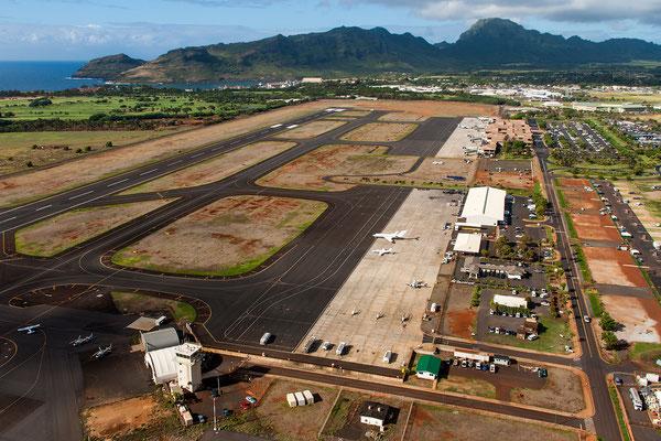Kauai: Lihue Airport: Finally take off
